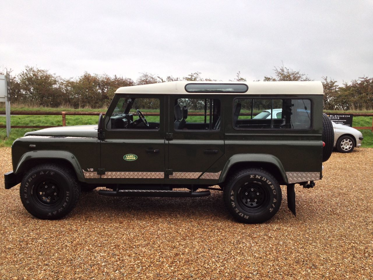 used land rover defender 110 35 v8 county station wagon lpg immaculate condition for sale in. Black Bedroom Furniture Sets. Home Design Ideas